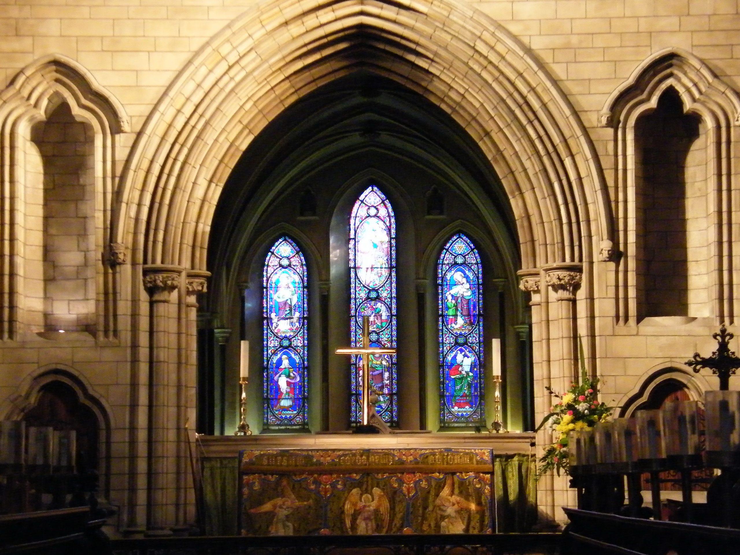 Saint_Patrick's_Cathedral,_Dublin,_altar